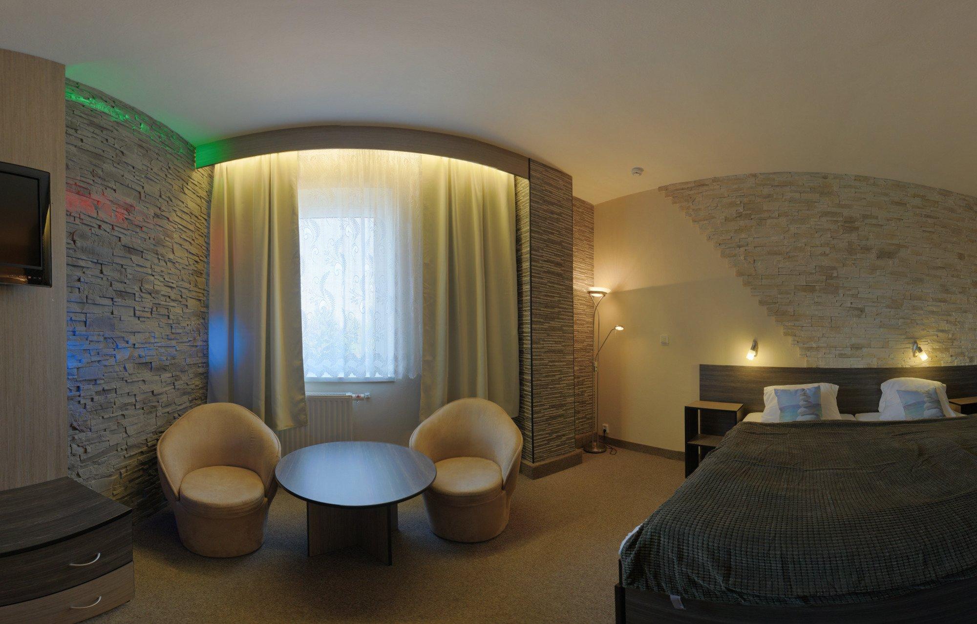 Kameninový pokoj obývací část